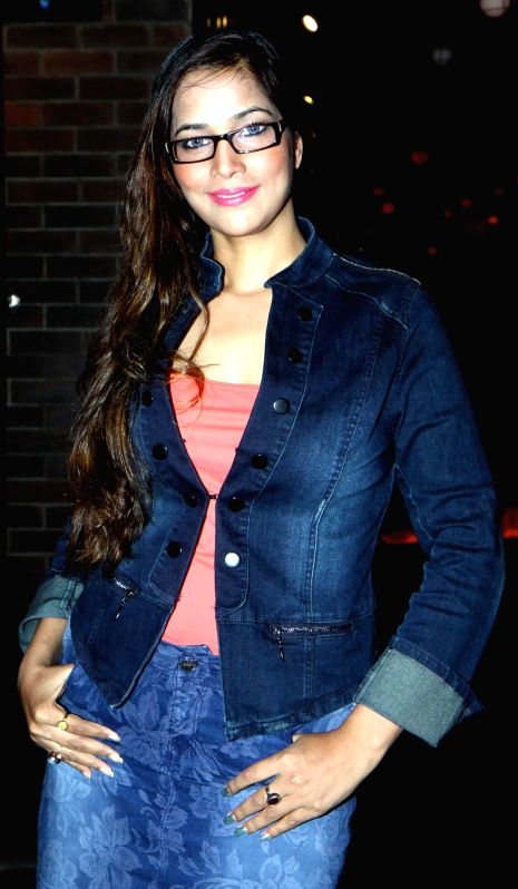 Tanisha Singh during the stand up comedy show Love,Sex and Politics at Canvas Laugh Club in Mumbai on Thursday, June 19, 2014. - Tanisha Singh