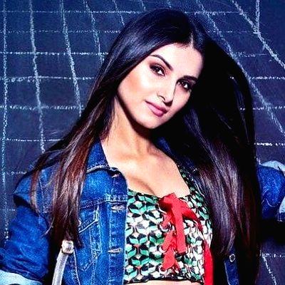 Tara Sutaria to be showstopper for Punit Balana.