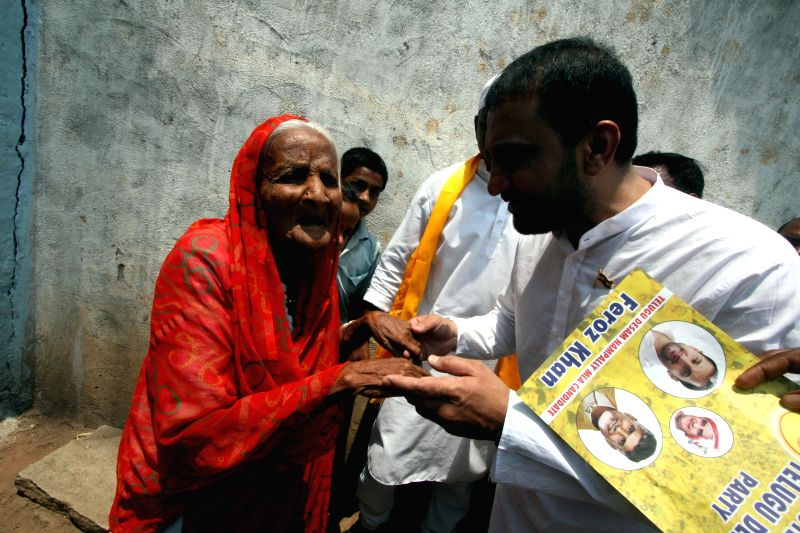 TDP candidate from Nampally Assembly constituency, Mohammed Feroz Khan during an election campaign in Aghapura of Hyderabad on April 13, 2014. - Feroz Khan
