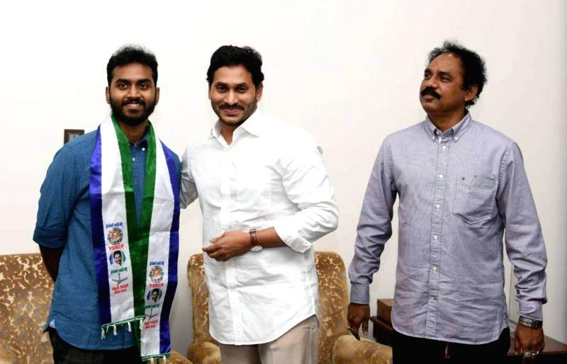 TDP Vizag MLA Vasupalli Ganesh's sons join YSRCP in father's presence.