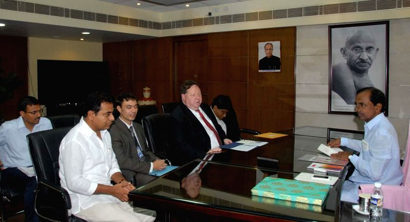 Telangana Chief Minister K.Chandrasekhar Rao meeting US consulate-general at Hyderabad Secretariat on June 16, 2014.