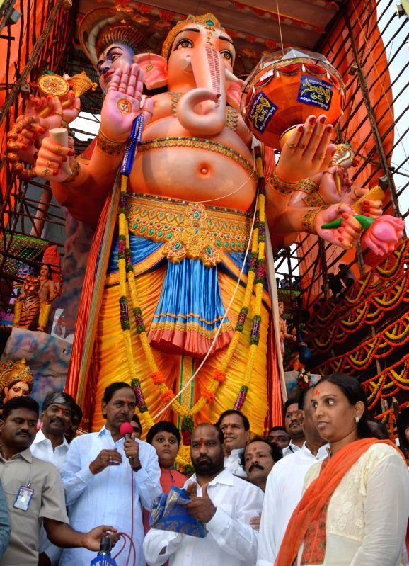 Telangana Chief Minister K Chandrasekhar Rao celebrates Ganesh Festival in Hyderabad on Aug 29, 2014. - K Chandrasekhar Rao