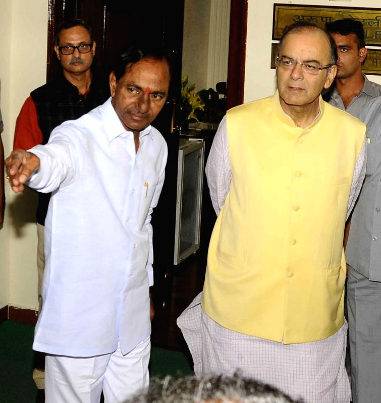 Telangana Chief Minister K Chandrasekhar Rao calls on Union Minister for Finance, Corporate Affairs, and Information and Broadcasting Arun Jaitley in New Delhi, on Oct 27, 2015. - K Chandrasekhar Rao and Arun Jaitley