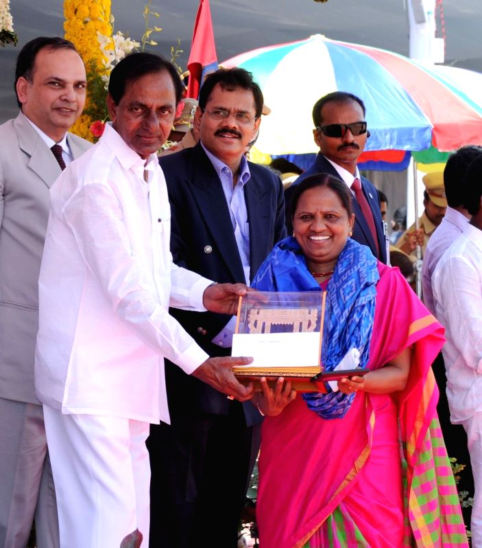 Telangana Chief Minister K Chandrasekhar Rao presents state awards on Telangana formation day in Hyderabad, on June 2, 2017. - K Chandrasekhar Rao