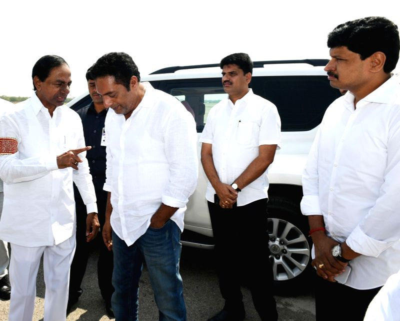 Telangana Chief Minister K Chandrashekhar Rao along with actor Prakash Raj leave Hyderabad to meet Janata Dal (Secular) Chief HD Deve Gowda in Bengaluru; in Hyderabad on April 13, 2018. - K Chandrashekha