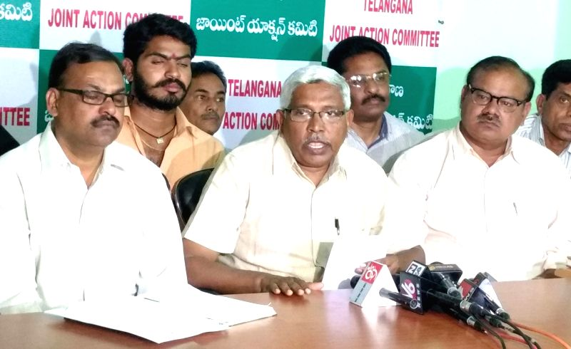 Telangana Joint Action Committee (JAC) chairman Prof M Kodandaram addresses a press conference in Hyderabad on July 29, 2016.
