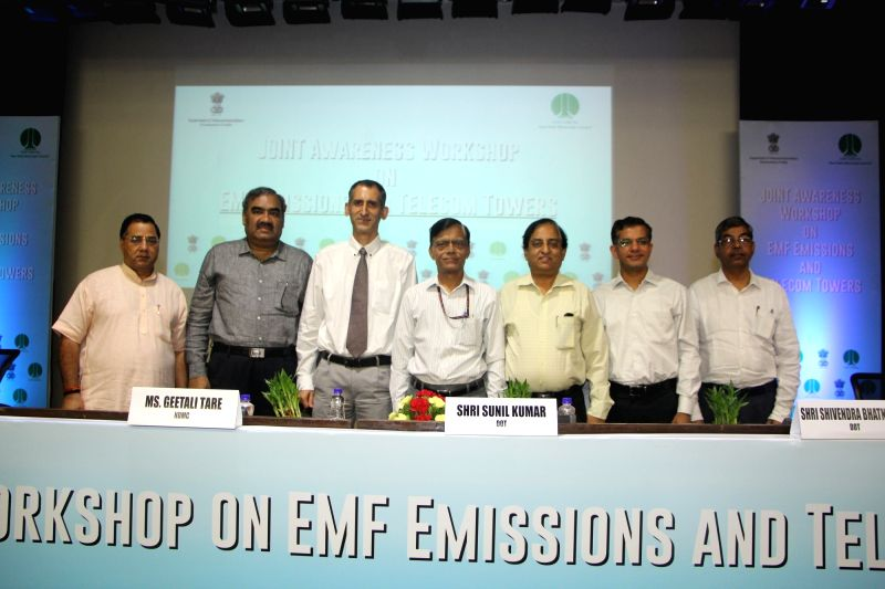 Telecom DG Sunil Kumar, Manipal Hospitals Head of Radiation Oncology Department Anusheel Munshi, AIIMS Associate Professor (Department of Neurosurgery) Vivek Tandon and others during an ... - Sunil Kumar