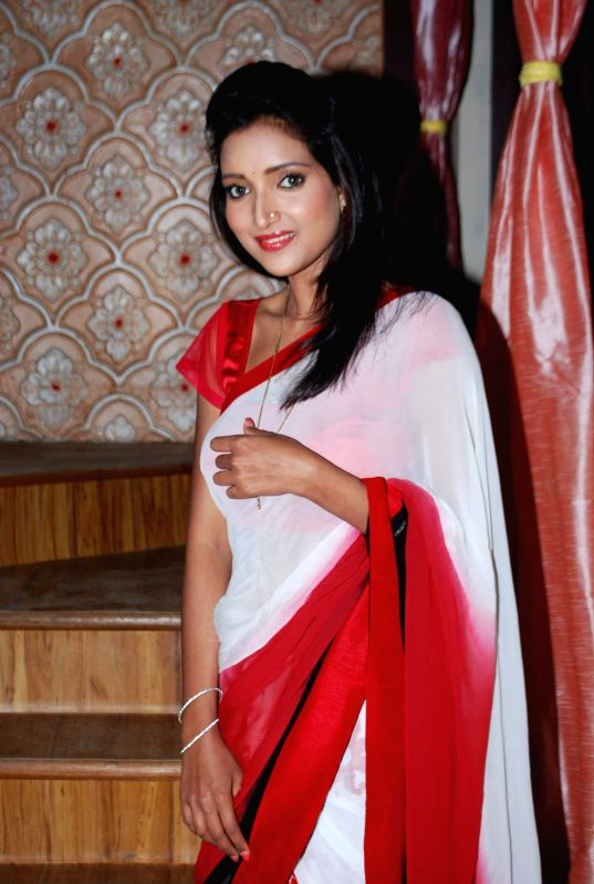 Television actor Rupali Bhosale during the on location shoot of the Sab TV serial Bade Door Se Aaye Hain in Mumbai June 16, 2014. - Rupali Bhosale
