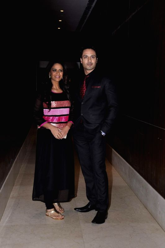 Television actors Mona Singh and Iqbal Khan during the media interaction of new Sony TV serial Pyaar Ko Ho Jaane Do in Mumbai, on Oct 30, 2015. - Mona Singh and Iqbal Khan