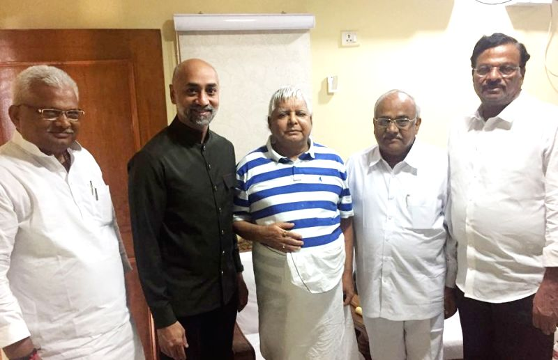 Telugu Desam Party (TDP) MPs Galla Jayadev, Ravindra Kumar and Garikapati Mohan Rao meet RJD chief Lalu Prasad Yadav seeking RJD's support for a no-confidence motion against the Modi ... - Ravindra Kumar, Garikapati Mohan Rao and Lalu Prasad Yadav