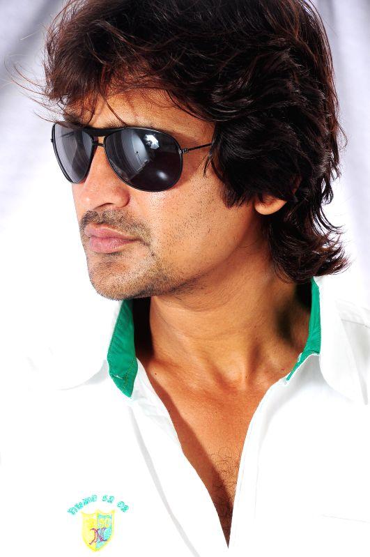 Telugu film Ee Manase stills.