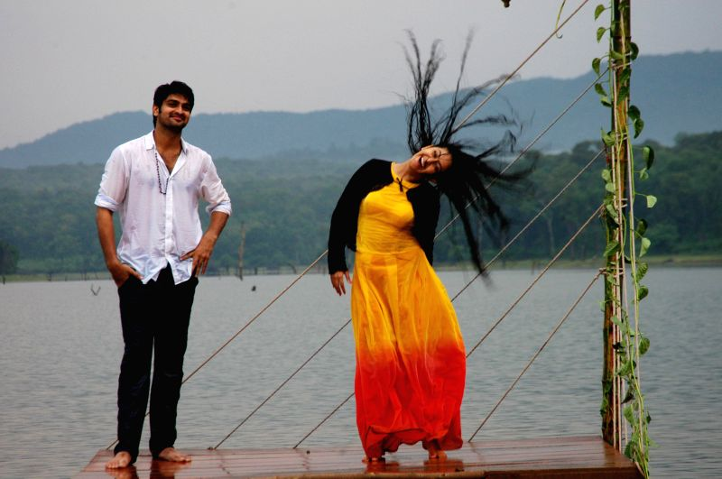 Telugu movie `Lakshmi Raave Maa Intiki` stills.