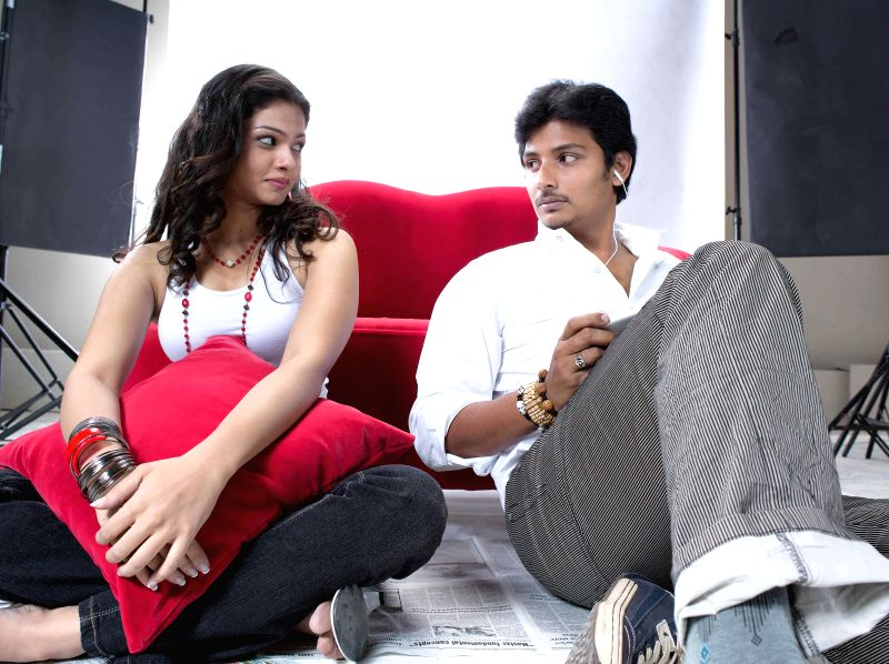 Telugu movie Rangam Modalayyindi stills.
