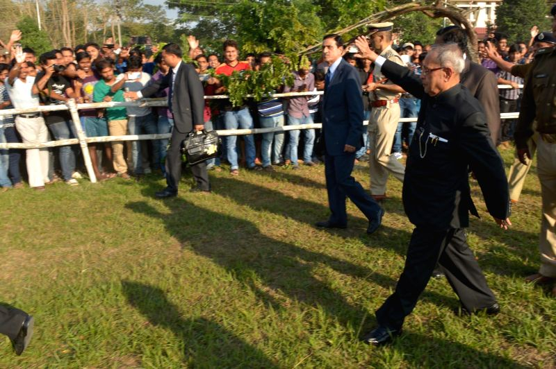 President Pranab Mukherjee being greeted on his arrival for the 12th Convocation of Tezpur University at Tezpur, Assam on Nov. 20, 2014.