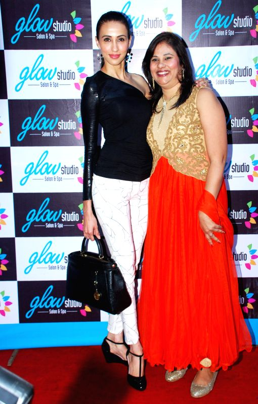 Ms. Mallerine Kukian (Director) with Super Model Alesia Raut during launch of Glow Studio Salon and Spa beauty salon in Thane, on March, 01, 2015. - Alesia Raut