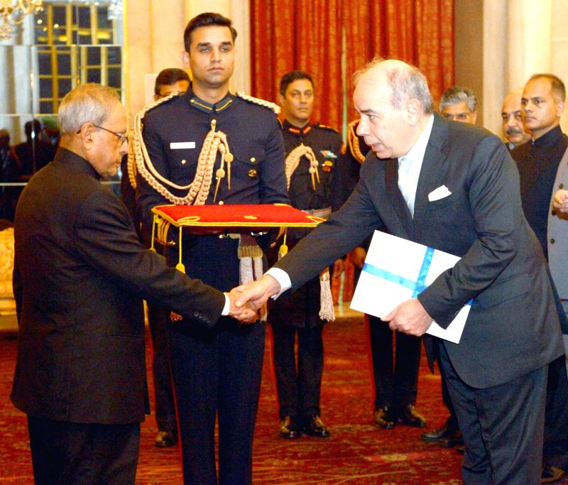 The Ambassador-designate of Greece, Pano Kalogeropoulos presents his credential to the President Pranab Mukherjee, at Rashtrapati Bhavan, in New Delhi on Dec 9, 2015. - Pranab Mukherjee