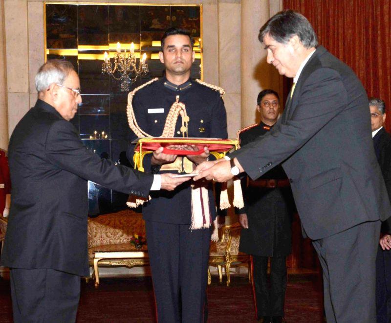 The Ambassador-designate of Portugal, Joao Do Carmo Ataide Da Camara presents his credential to the President Pranab Mukherjee, at Rashtrapati Bhavan, in New Delhi on Dec 9, 2015. - Pranab Mukherjee