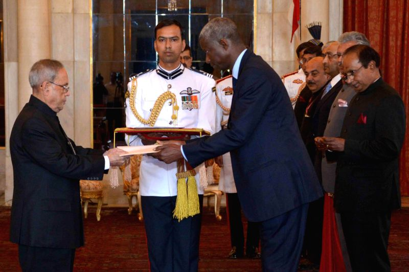 The Ambassador designate of the Republic of Senegal in India,  H.E. El Hadji lbou Boye presents his credentials to President Pranab Mukherjee during a programme at Rashtrapati Bhawan in New Delhi, on ... - Pranab Mukherjee