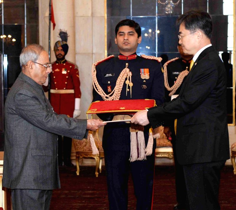 The Ambassador-designate of the Republic of Korea Cho Hyun presents his Credential to the President Pranab Mukherjee, at Rashtrapati Bhavan, in New Delhi on Dec 7, 2015. - Pranab Mukherjee