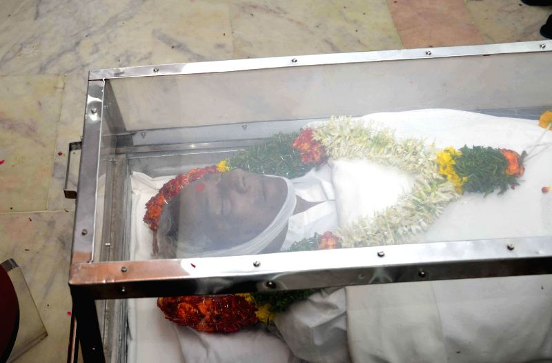 The body of former Andhra Pradesh Chief Minister Nedurumalli Janardhana Reddy who died in Hyderabad following a liver ailment on May 9, 2014. - Nedurumalli Janardhana Reddy