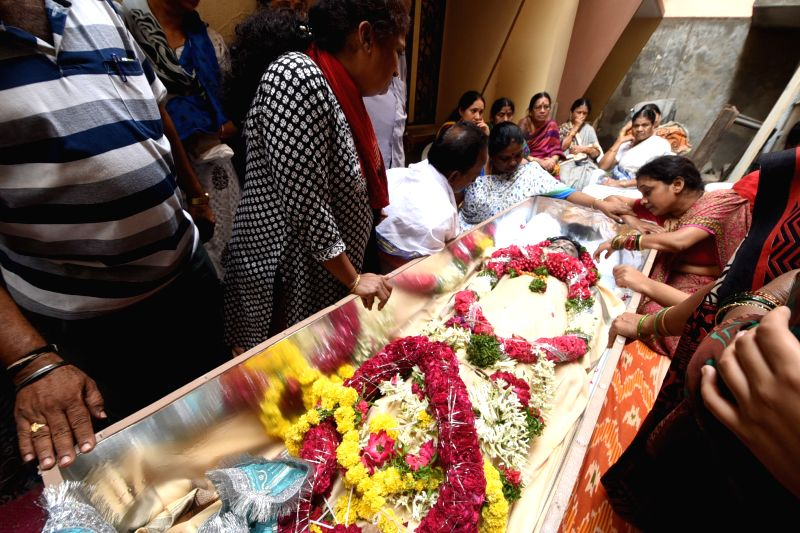 The body of Gundam Sankeerth, who was allegedly stabbed to death by his roommate in Texas of US arrive at his residence; in Hyderabad on July 25, 2016.