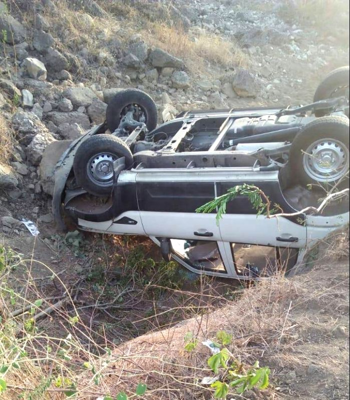 The car in Rashtriya Swayamsevak Sangh (RSS) chief Mohan Bhagwat's convoy that overturned while trying to avoid a cow on a road in Chandrapur