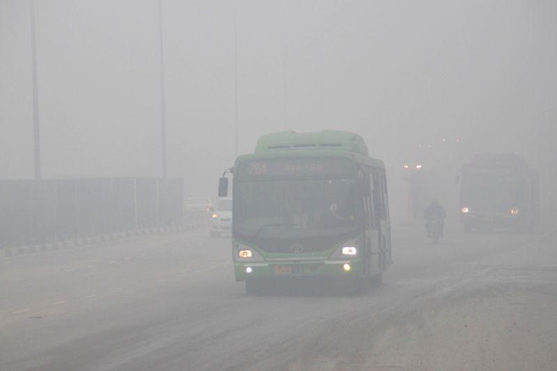 The dense fog observed in New Delhi on December 28,2014.