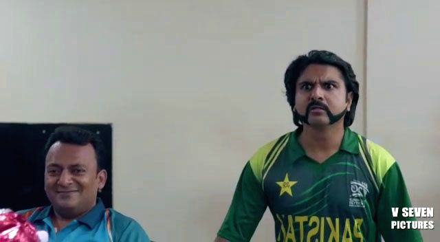 The digital war between the fans of India and Pakistan ahead of the World Cup clash between the two teams on Sunday doesn't seem to end.