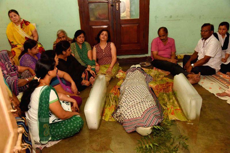 The family members of Aditya Sachdeva, son of a businessman who was allegedly shot dead by Rocky Yadav son of JD-U MLC Manorma Devi and Bindi Yadav, a criminal turned politician mourn his death ... - Bindi Yadav