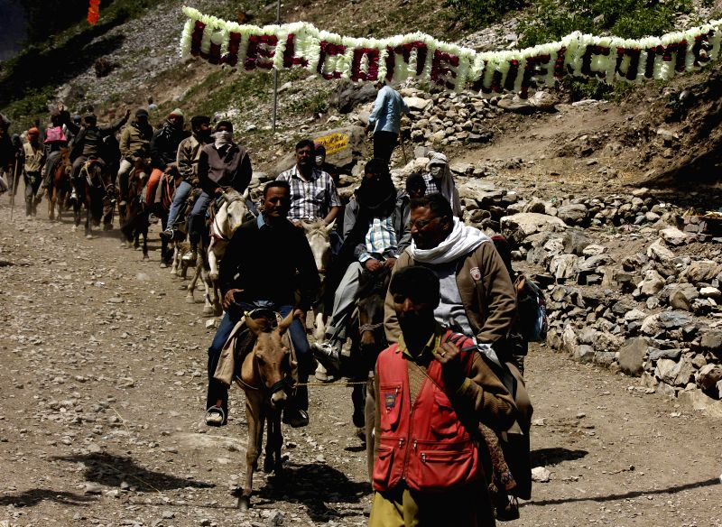 devotees stay together for the amarnath yatra