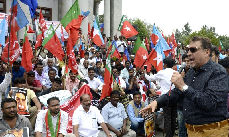 The members of SDPI, CPI(M), Karnataka Dalita Sangarsha Smaiti, Karnataka Tamil Makkalam Association and others stage a demonstration against recent violence in Kashmir and increasing ...