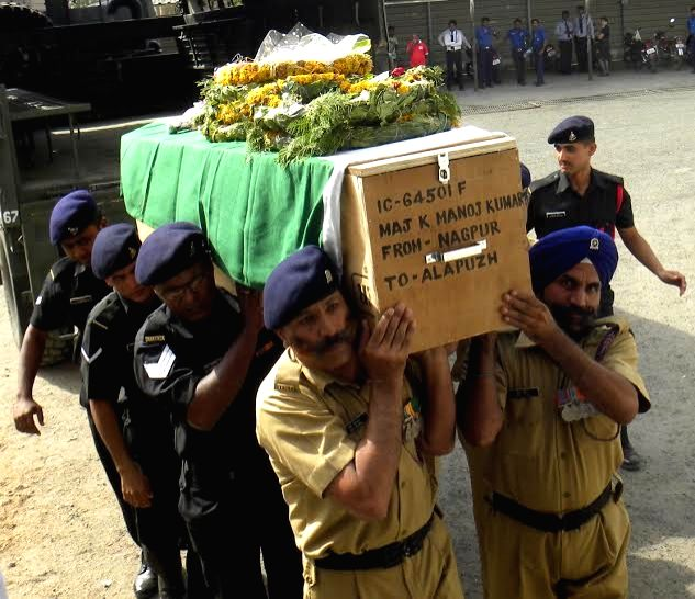 The mortal remains of martyr Maj K Manoj Kumar that is being taken to Thiruvananthapuram for funeral arrives in Nagpur on June 2, 2016.