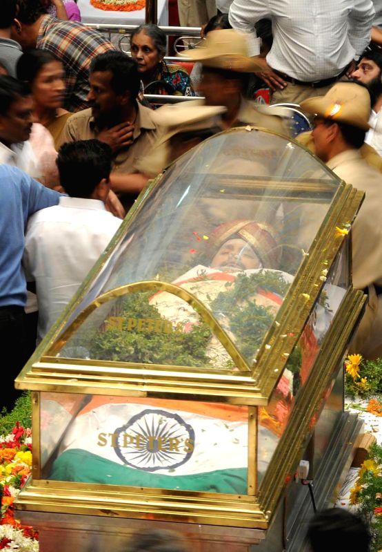 The mortal remains of Mysore scion Srikantadatta Narasimharaja Wodeyar at Mysore Palace in Mysore on Dec.11, 2013. Wodeyar died 10th Dec due to a heart attack.
