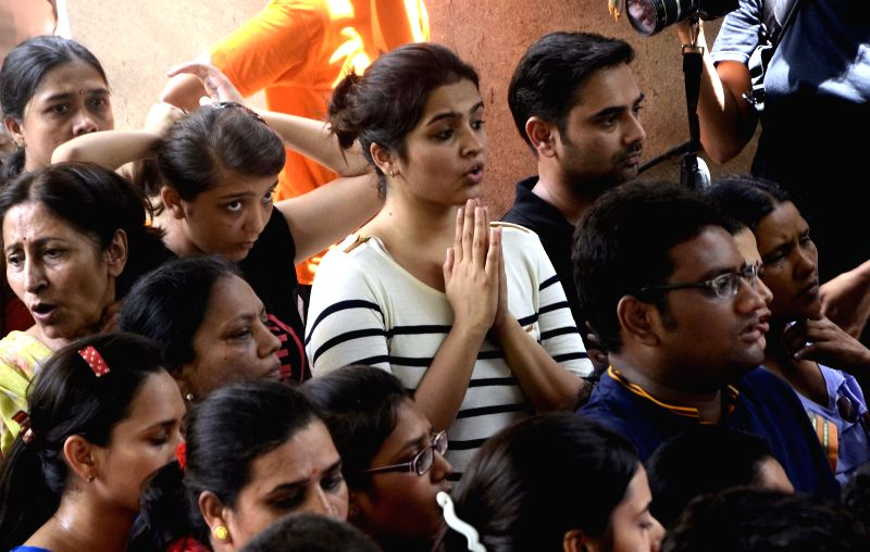 The officials of the Brihan Mumbai Municipal Corporation (BMC) have reached the Campa Cola society to try and enter the premises of the compound and evict the residents of illegal flats in the ...