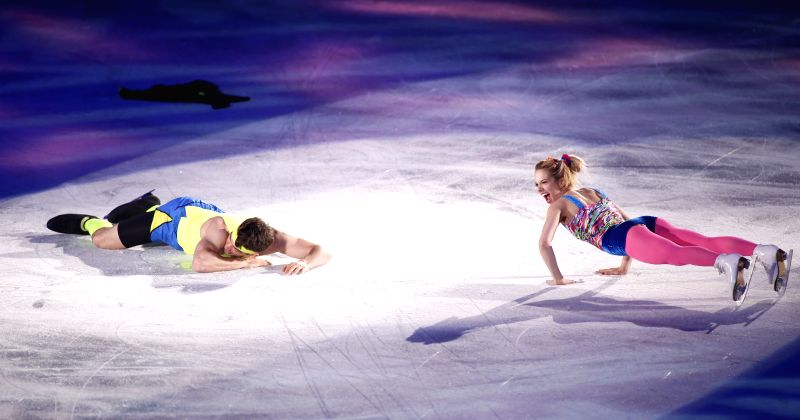 Alexa Scimeca (R) and Chris Knierim of the United States perform during the exhibition at the International Skating Union (ISU) World Team Trophy of Figure Skating ...