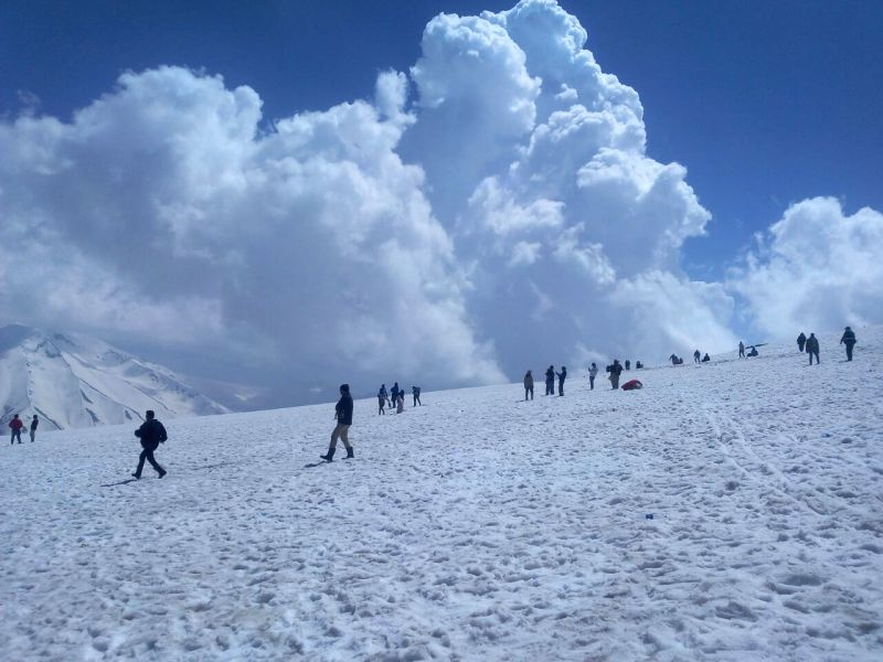 Kashmir in photos: Tourists having a good itme in Gulmarg