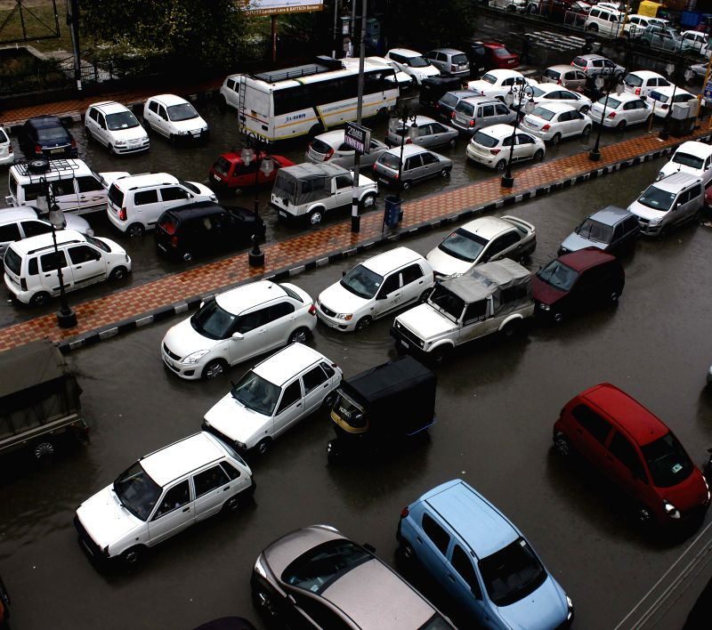 Traffic jam at water-logged Regal Chowk in Srinagar on Sept 3, 2014.
