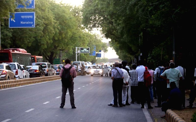 Traffic stalled on a Delhi road due to VVIP movements in the national capital on April 25, 2017.