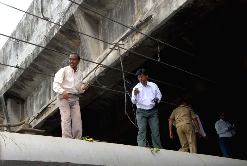 Train service stalled due damaged over head wire between Bandra and Mahim station in Mumbai on June 17, 2014.
