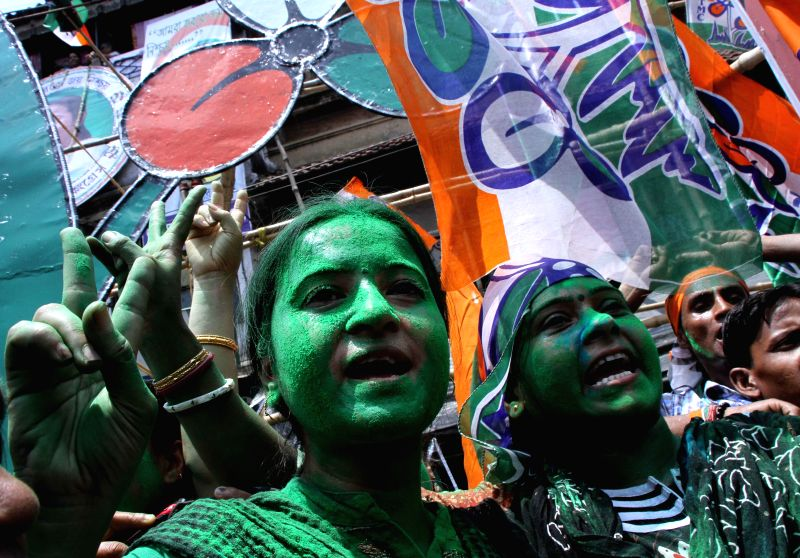 Trinamool Congress (TMC) supporters celebrate party's performance in 2014 Lok Sabha Polls, in Kolkata on May 16, 2014.