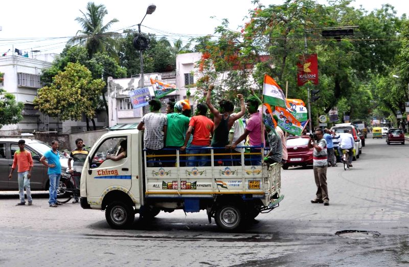 Trinamool Congress workers celebrate party's performance in recently concluded 2016 West Bengal Assembly Polls in Kolkata, on May 19, 2016.