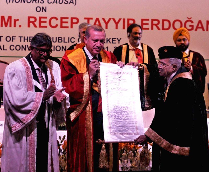 Turkish President Recep Tayyip Erdogan and Jamia Millia Islamia Chancellor Lt. Gen. (Retd.) M. A. Zaki during Jamia Millia convocation ceremony in New Delhi, on May 1, 2017.