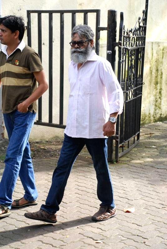 TV actor Anupam Shyam during the funeral of filmmaker Dharmesh Tiwari in Mumbai on Thursday, August 7, 2014. - Anupam Shyam