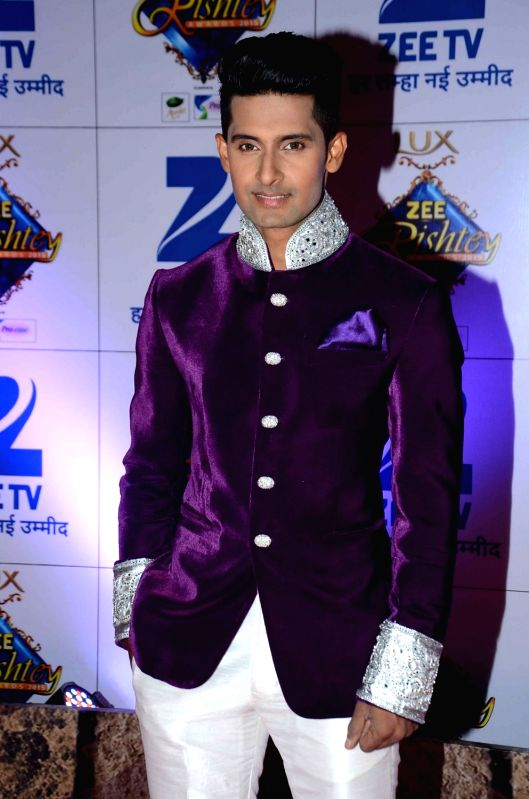 TV actor Ravi Dubey during the red carpet of Zee Rishtey Awards 2015, in Mumbai on November 21, 2015. - Ravi Dubey