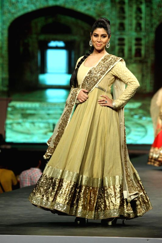 TV actor Sakshi Tanwar during the `Caring with Style` 9th Annual Fashion Show by Fevicol in support of CPAA (Cancer Patient Aid Association) at NSCI in Worli, Mumbai on Sunday, May 10, 2014. - Sakshi Tanwar