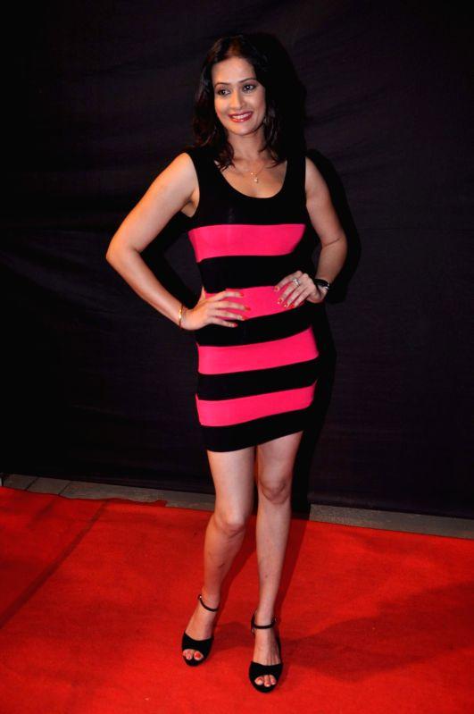 Cid sony tv 22 july 2012 full episode : Giraftar hindi movie mp3