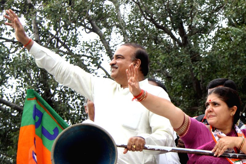 Union Chemical and Fertilizers Minister Ananth Kumar campaigns for BJP ahead of BBMP election in Bengaluru, on Aug 16, 2015.