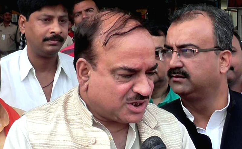 Union Chemical and Fertilizers Minister Ananth Kumar talks to press in Patna on April 19, 2017. - Ananth Kumar