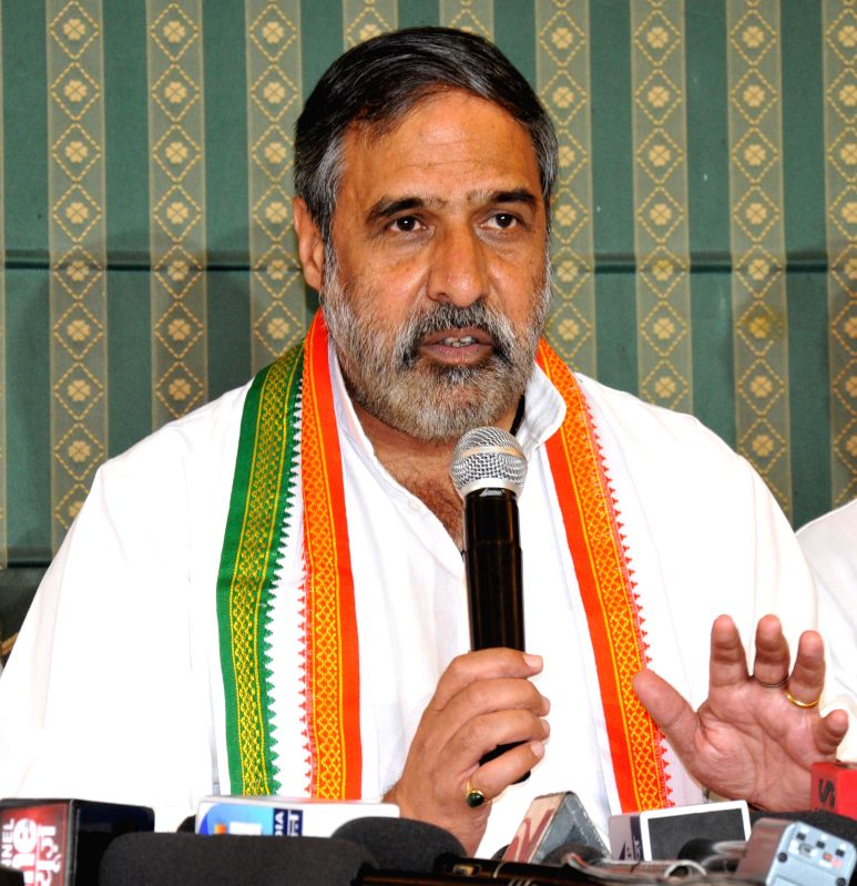 Union Commerce and Industry Minister and Congress leader Anand Sharma addresses a press conference in Amritsar on April 20, 2014.