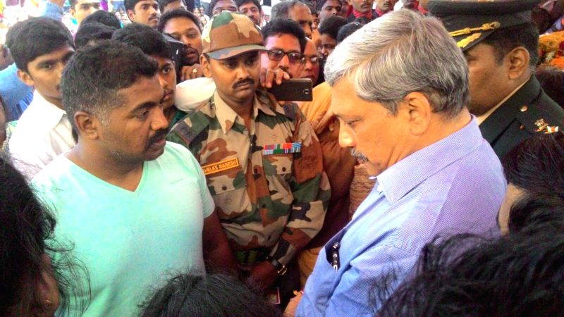 Union Defence Minister Manohar Parrikar at the funeral of Colonel Santosh Mahadik  in Satara of Maharashtra on Nov 19, 2015. - Manohar Parrikar